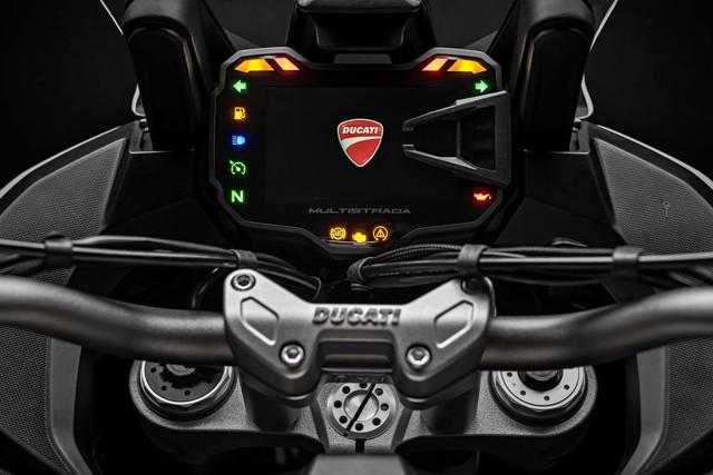 2019-Ducati-Multistrada-1260-Enduro-35