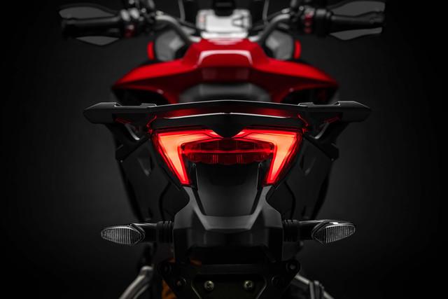 2019-Ducati-Multistrada-1260-Enduro-21