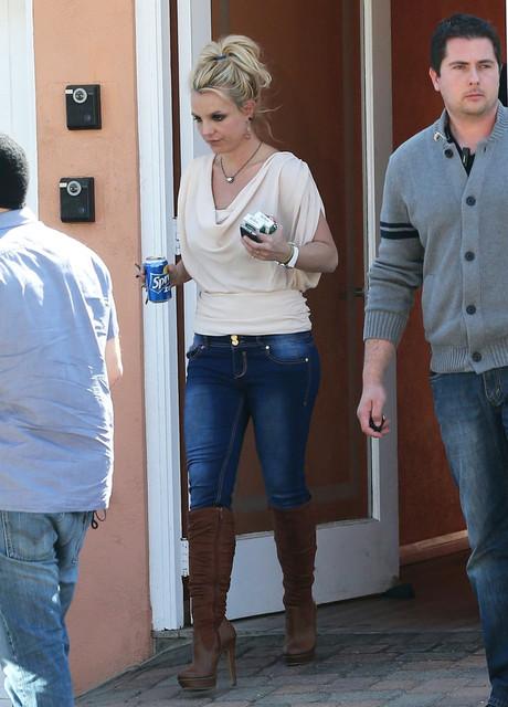 Britney_Spears_picked_up_Sprite