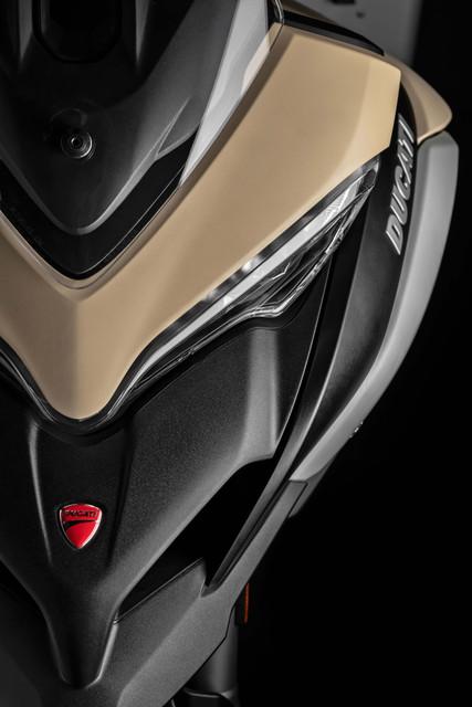 2019-Ducati-Multistrada-1260-Enduro-31