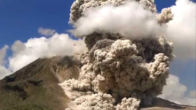 Sinabung pyroclastic flows 000161760