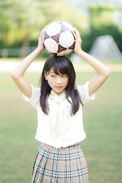 LOV_Tsukinoda_profile_02.jpg