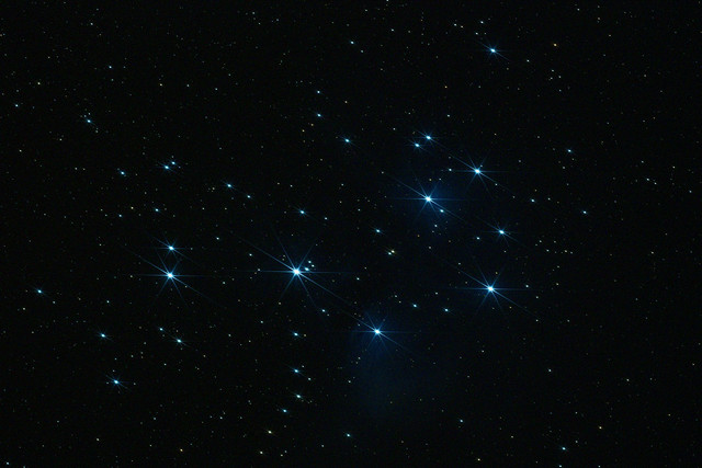 Pleiades_M45_with_Bahtinov_mask.jpg
