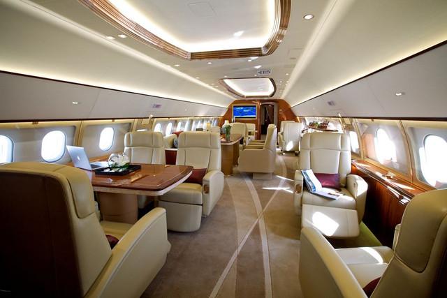Comlux Airbus ACJ319 Main cabin 1