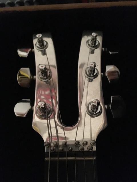 Kramer-Headstock-Front.jpg