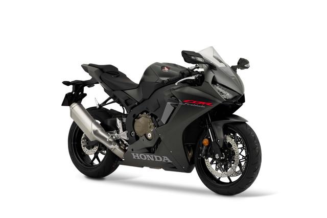 2019-Honda-CBR1000-RR-02
