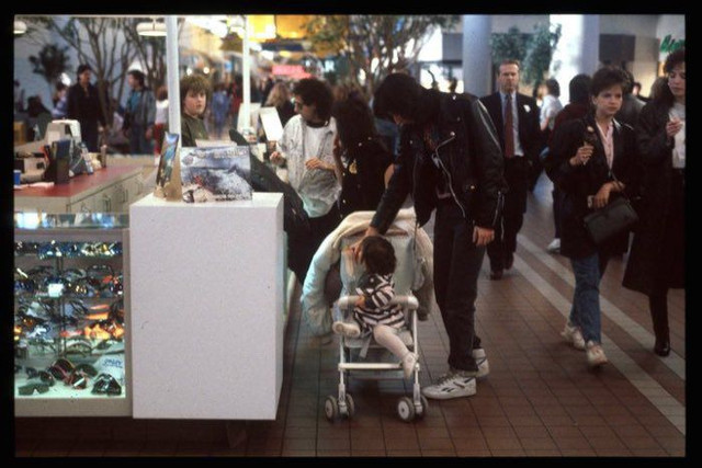 shopping_mall_1989_14