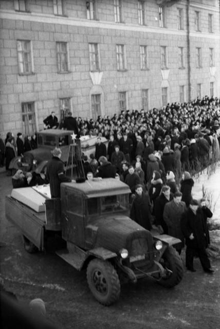 Dyatlov pass funerals 9 march 1959 02