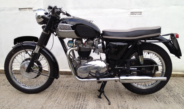 https://preview.ibb.co/cjOsbS/1963_Triumph_Bonneville.jpg