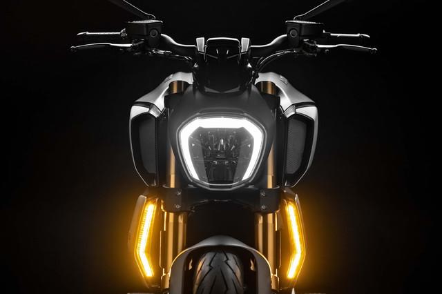 2019-Ducati-Diavel-1260-S-62