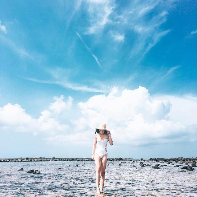 電眼正妹Kate_Lin甜美自拍_筆直纖細美腿上圍身材也好真是正