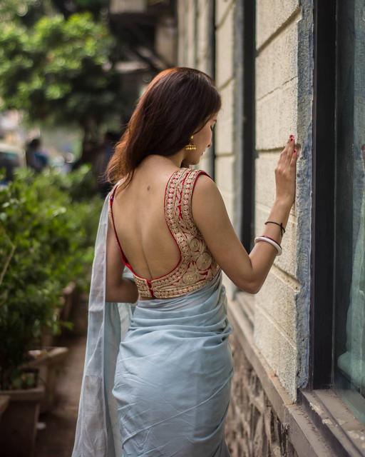 deep back saree hot