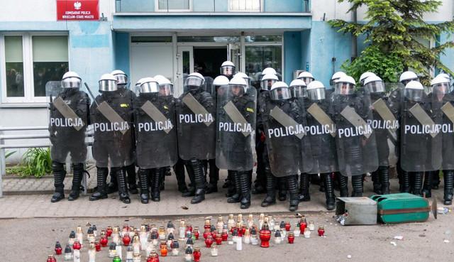 Policja i znicze