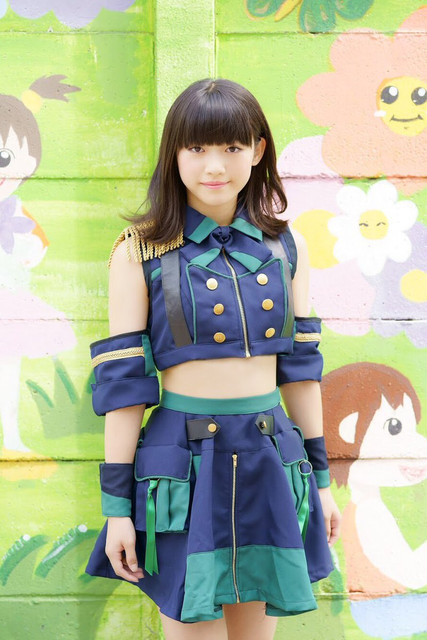 risa-new-group-outfit-02.jpg