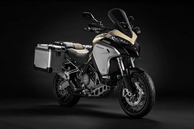 2019-Ducati-Multistrada-1260-Enduro-04