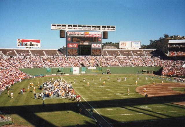 Jack-Murphy-Stadium-1987