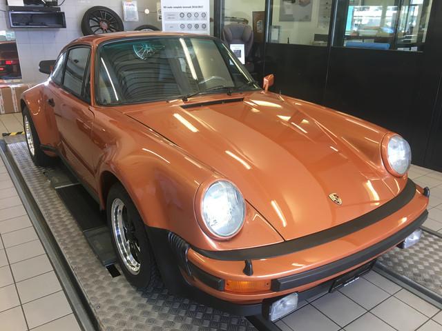 Les premiers 70 ans Porsche IMG_8087_JPG