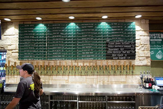WEB 20170412 Draft Mag Alt Beer Venues Whole Foods Market Draft Shack01 Austin TX