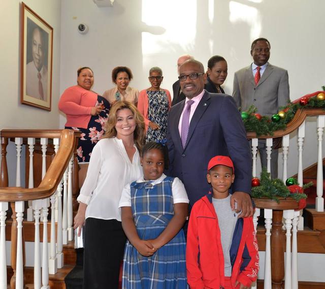 shania bahamas primeminister120717 13