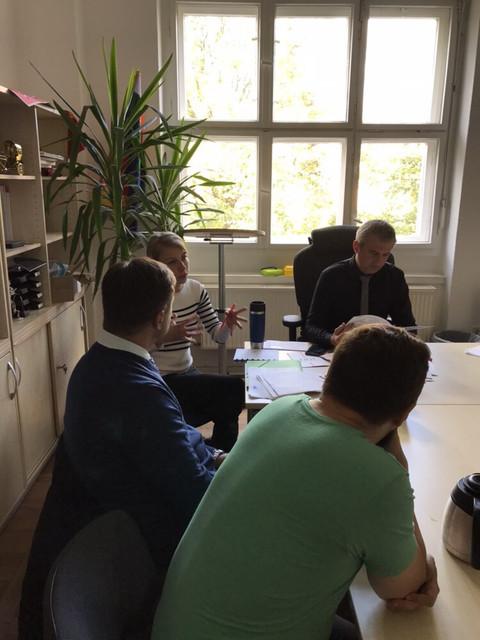 Руководство политической партии «РАЗУМНАЯ СИЛА» в Берлине в офисе партии Die Linke