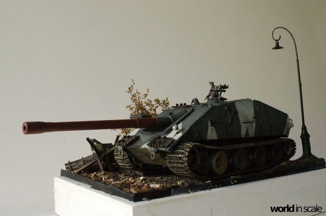 E-100 Jagdpanzer - 1/35 v. Trumpeter 32260886_1042675785899936_578329896300838912_o