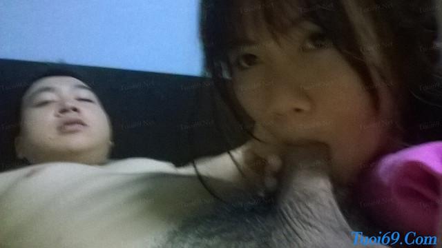 Em gái học sinh ngậm bừu bạn trai chụp ảnh tự sướng cực căng!!!