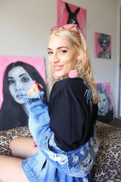 blonde_smile