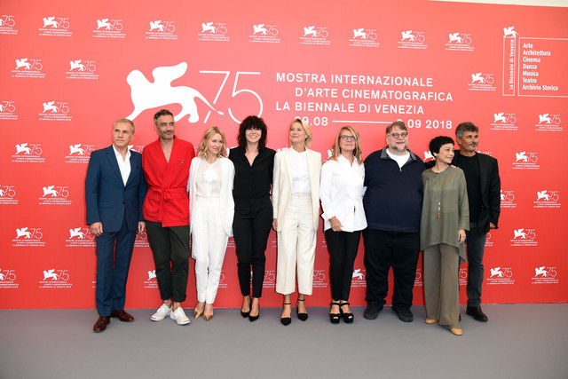 naomi_watts_75th_venice_film_festival_jury_photocall_82918_7
