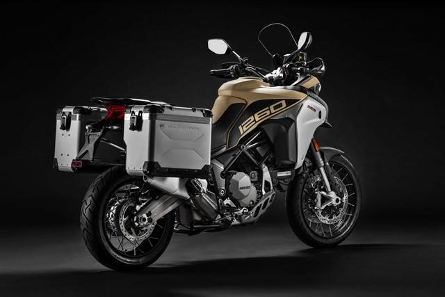 2019-Ducati-Multistrada-1260-Enduro-06