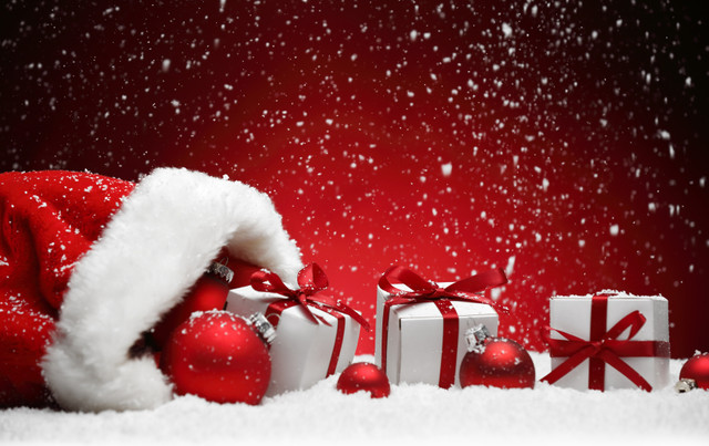 Christmas_decorations_i_Stock_000048591732_Small