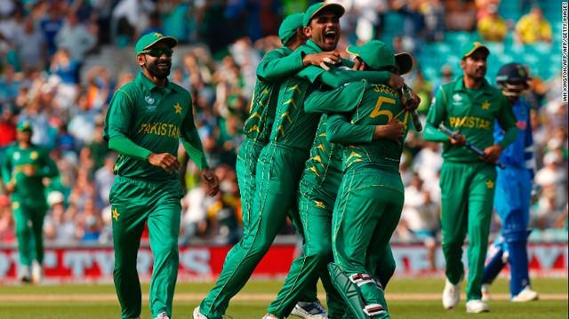 170619090748 pakistan celebrate exlarge 169