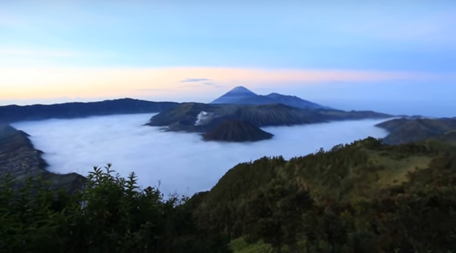 http://preview.ibb.co/epjKOF/photo_panorama_gunung_semeru.png
