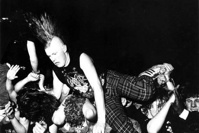 a-punk-with-a-mohican-kilburn-national-london-1989-adam-friedman