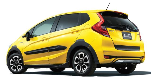 2014 - [Honda] Jazz - Page 6 Honda_fit_hybrid_cross_style_8