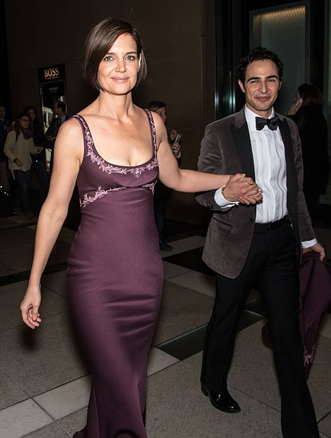 Katie Holmes shows off her curves in beautiful gown