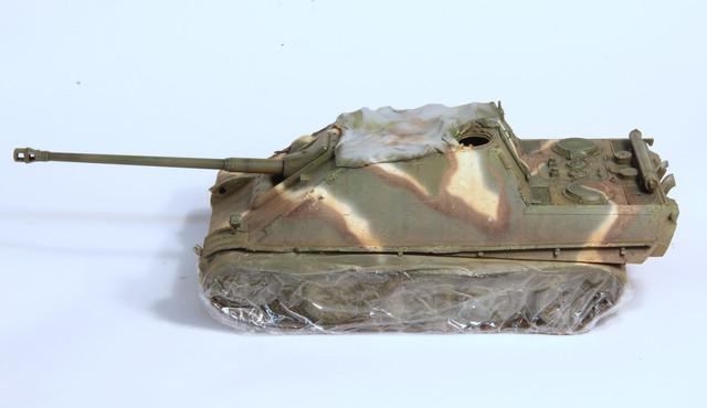 Jagdpanther Tamiya (char fini) 1/35 - Page 2 IMG_3023