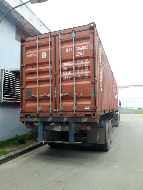 container-xuat-khau-hang-balo