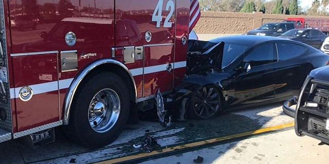 tesla_fire_truck_crash_700_1