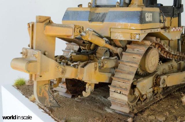 "Caterpillar D9 ""Bulldozer"" - 1:35, based on Meng Models 26023917_964750300359152_4736557142962016855_o"