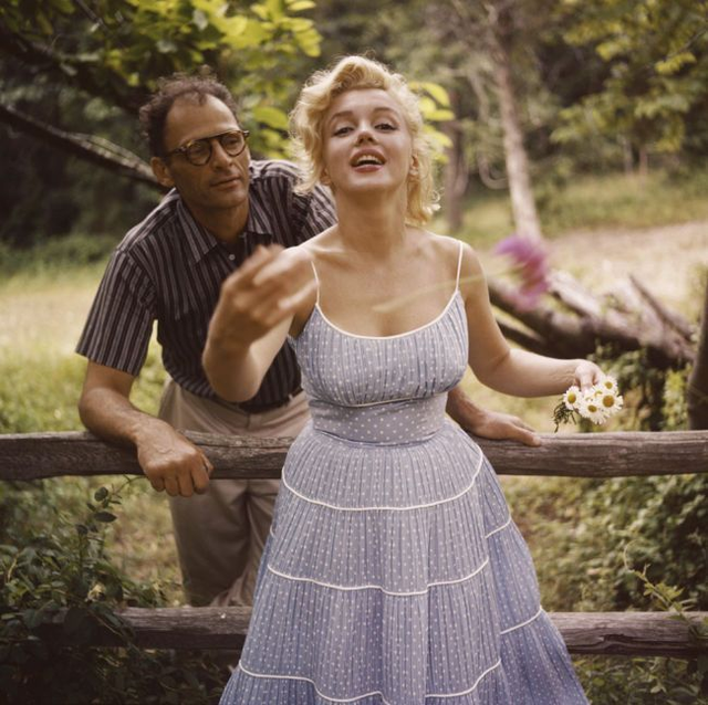 Marilyn Monroe and Arthur Miller photographed by Sam Shaw 1957 4