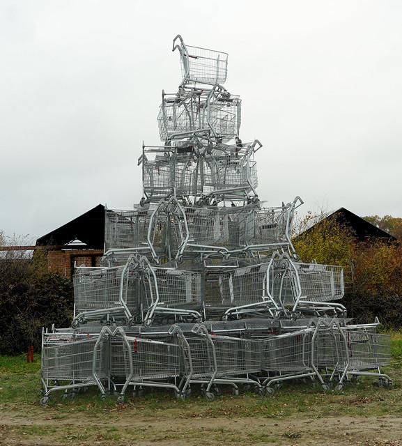 trolley-pyramid