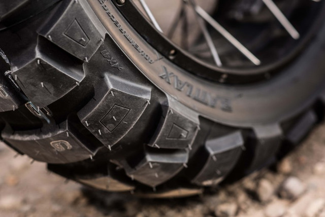 Bridgestone-Battlax-Adventurecross-AX41-ADV-tire-03