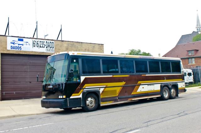 1988 mci 102c3 school bus conversion resources rh skoolie net MCI 102A3 Inside 1998 MCI Bus Mcin