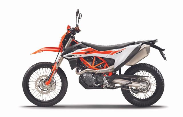 2019-KTM-690-Enduro-R-11