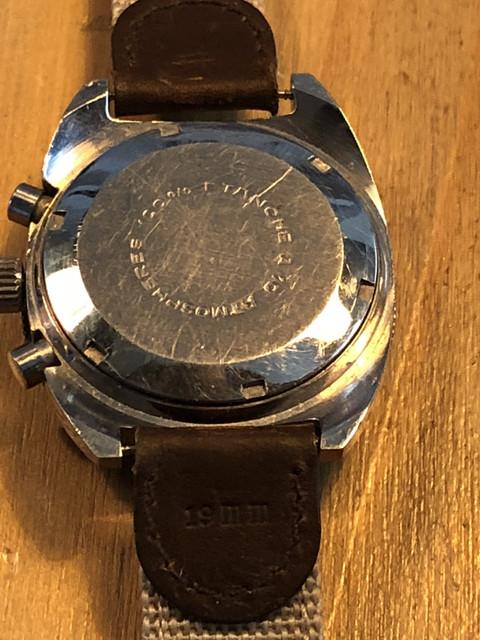 Jaeger -  [Postez ICI les demandes d'IDENTIFICATION et RENSEIGNEMENTS de vos montres] - Page 23 IMG_6093