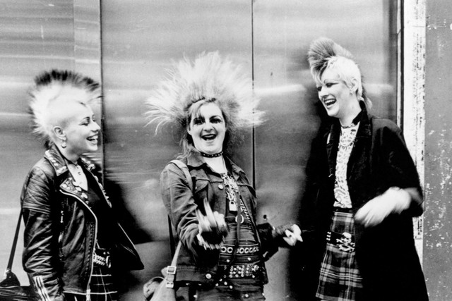 three-punks-with-mohicans-chelsea-kings-rd-london-1970s-ted-polhemus