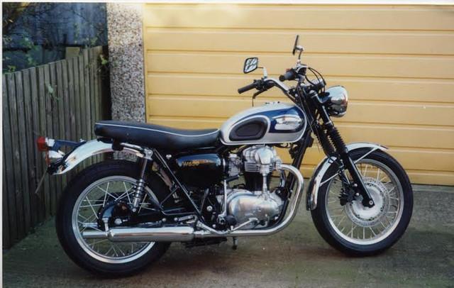Kawasaki-W650-2001.jpg