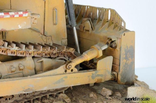 "Caterpillar D9 ""Bulldozer"" - 1:35, based on Meng Models 26116170_964750357025813_8414009780635848478_o"