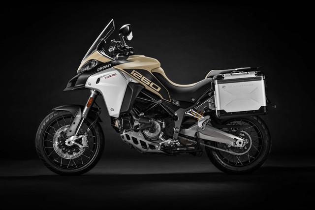 2019-Ducati-Multistrada-1260-Enduro-08