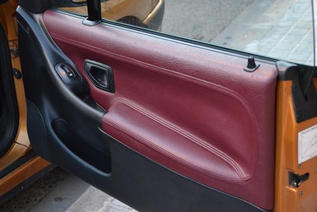 [ SE CAMBIA ] Interior de piel - color rojo contra negro DSC_1885